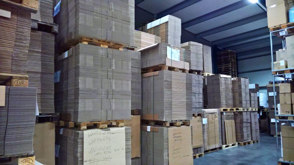 Verpackungslager Kartons Unternehmen